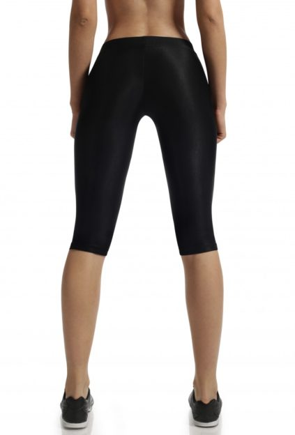 woman-short-leggings--2508-900x1200